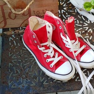 Converse ALL*STAR  Red high tops